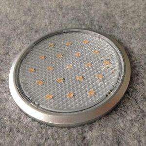LED  e